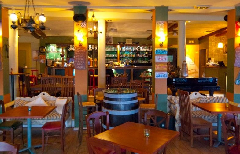 ΠΕΙΡΑΙΑΣ: Cheers beerhouse