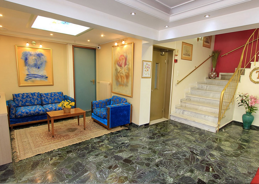 ΠΕΙΡΑΙΑΣ: TRITON HOTEL