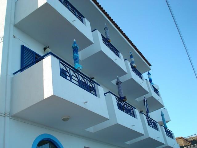 ΜΕΘΑΝΑ: ATHINA HOTEL